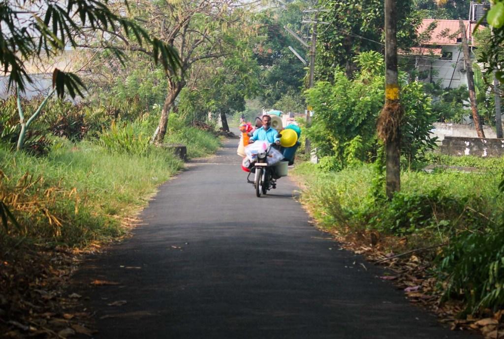 Country roads of Kadamakkudy